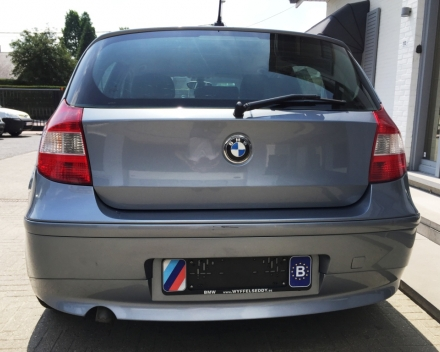 VERKOCHT  BMW 118 D * SCHADEWAGEN VOOR HANDELAAR *