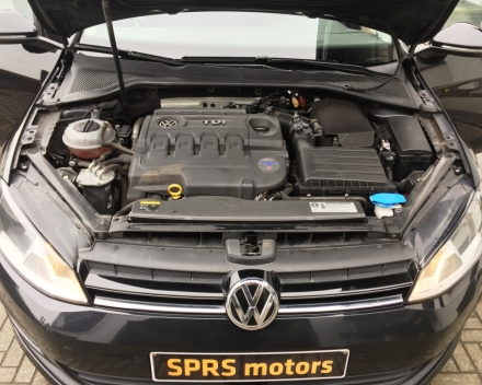 Volkswagen Golf 7 Break 1,6 HDI - zwart - Diesel - 181,993km -2015