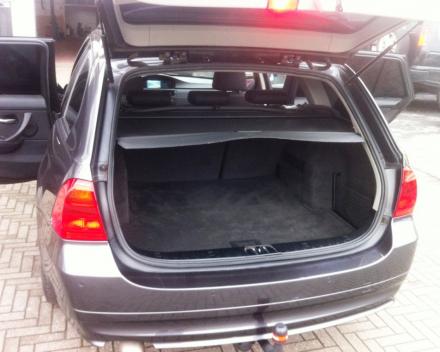 """VERKOCHT BMW 318 D TOURING * GROTE NAVIGATIE * 17"""" VELGEN * GEKEURD * GARANTIE"""