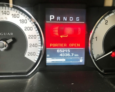 VERKOCHT JAGUAR XF 2,7 D SLECHTS 65.215 KM  GEKEURD + GARANTIE !