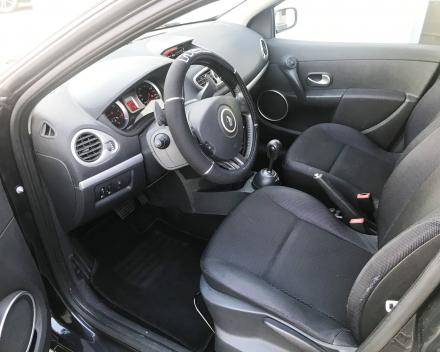 RENAULT CLIO 1,2 AUTOMAAT  26/04/2010  SLECHTS 58864 KM  3800 EURO