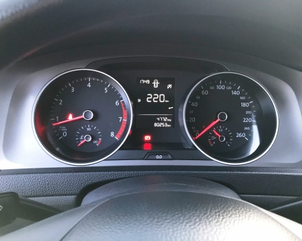VOLKSWAGEN GOLF 7  BENZINE  28/06/2013   80250 KM  GEKEURD + GARANTIE