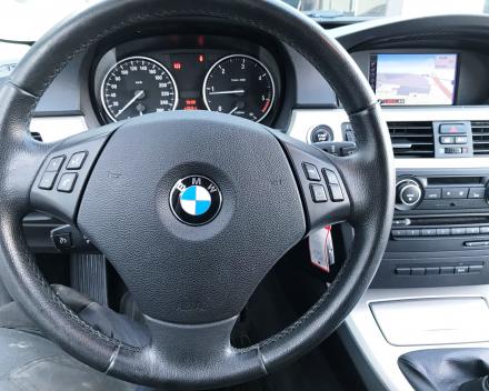 BMW 318 D TOURING 06/03/2012 LEDER+NAVIGATIE+CRUISE