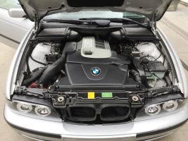 """VERKOCHT  BMW 520 D * 4 DEURS * FULL OPTION * 19"""" VELGEN * VERLAAGD * LEDER INTERIEUR * GEKEURD * GARANTIE"""